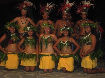 [island+troupe]