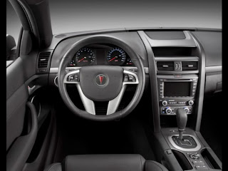 2010-pontiac-g8-sport-truck-cockpit-interior-view