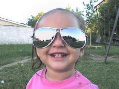 aca les muestros una foto de mi hija gracias a ella soy muy feliz mariela...