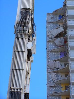 Lormont Bordeaux Tours des Cimes destruction grignotage pidic encadrees photoblog renouvellement urbain