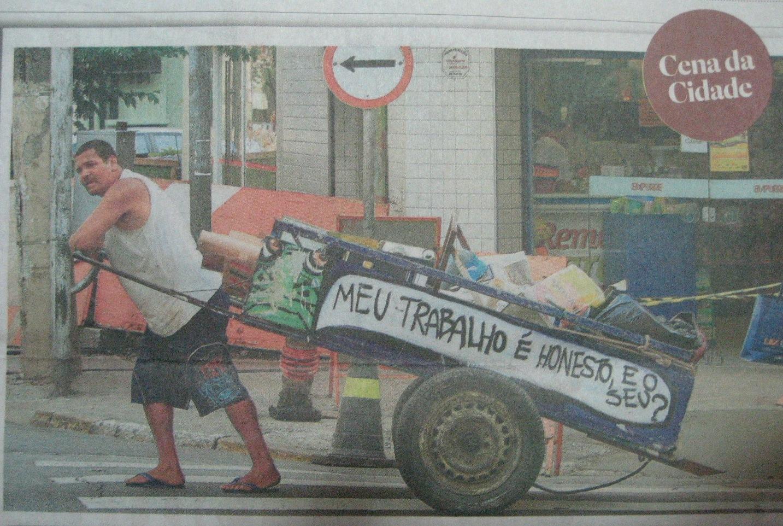 http://2.bp.blogspot.com/_dWEObuoQ16I/TNLyAJ2N9jI/AAAAAAAAAPw/JKHv9PkmBRA/s1600/graffiti_Mundano_img.05_Estad%C3%A3o_03nov.2010_corte02.jpg