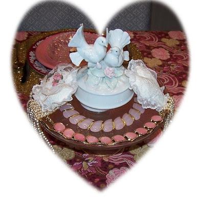 Valentine's Day centerpiece. Valentine's Day garland: Designed to add extra
