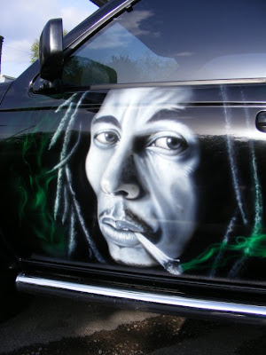 airbrush jamaica design on car