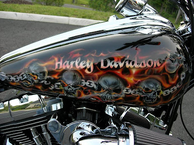 Skull Chain Airbrush Designs on Harley Davidson