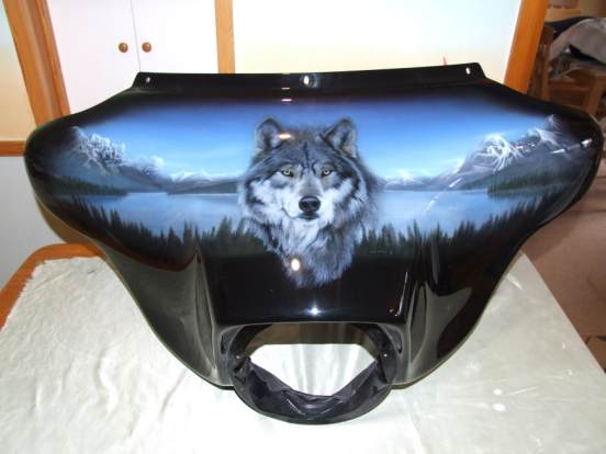 Wolf airbrushed mural on harley davidson fairing 1 for Airbrushed mural