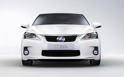 2011 Lexus CT 200h attitude and driving 1