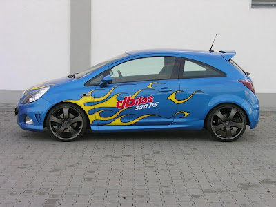 Opel-Corsa-OPC-with-Airbrush-Art-Side
