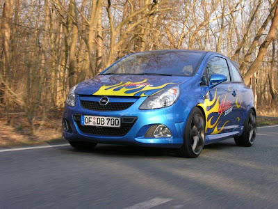 Opel-Corsa-OPC-with-Airbrush-Art-Turing