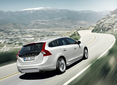 2011-Volvo-V60-Elegant-Car-Back