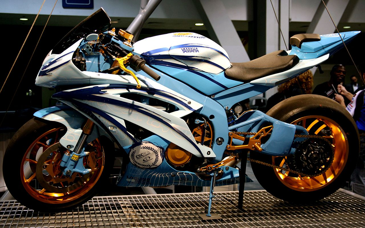 Yamaha R6 Custom Paint And Wheels Airbrush Design Picture