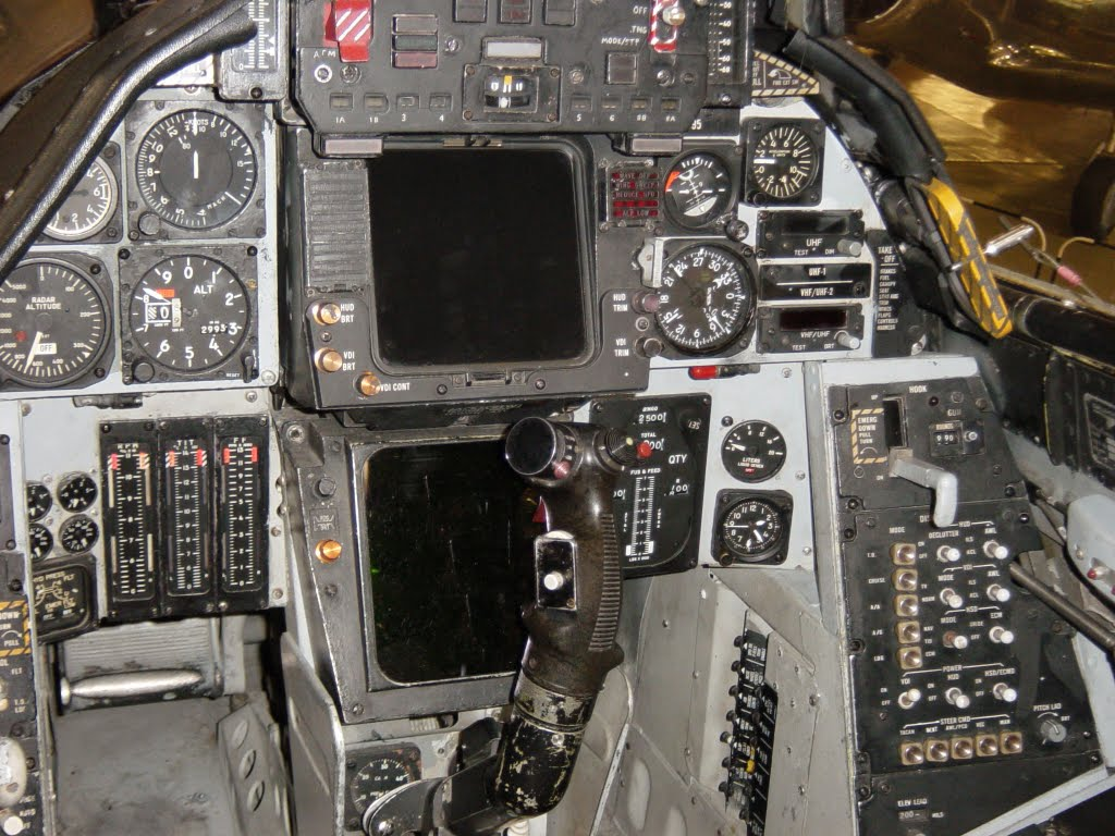 F 14 Tomcat Cockpit A silly question but b...