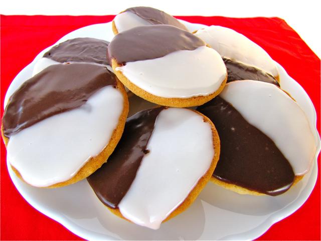 Susi's Kochen Und Backen Adventures: Black and White Cookies