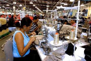 Otros 1,500 trabajadores de zonas francas de Santiago se unen a los 16,000 nuevos desempleados