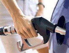 Industria y Comercio dispone rebajas de RD$2.10 y RD$0.75 a los combustibles