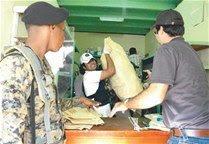 Salud Pública clausura negocios y se incauta de medicamentos en Moca