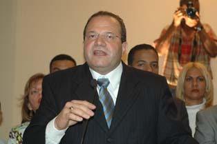 José Tomás Pérez exhorta al PRD a la calma