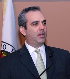 Luis Abinader propone suspender impuesto para revertir recesión en el sector inmobiliario