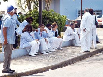 Médicos sin respuesta del gobierno en tercer día huelga