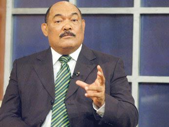 Alburquerque informa acuerdo con Vargas para retomar normalidad convención