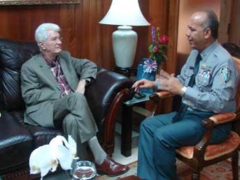 Jefe DNCD y senador Wilton Guerrero se reúnen