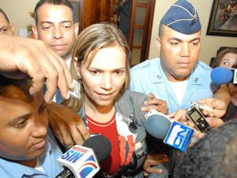 Aclara Mary Peláez no suplió de mobiliario parroquia de Bonao