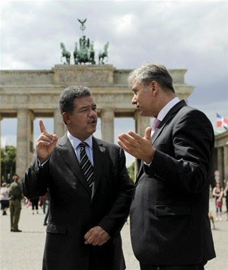 Deutsche Bank muestra interés al presidente Fernández en financiar más proyectos en RD