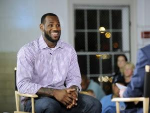 LeBron James celebra su cumpleaños 26 en Miami