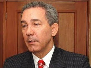 Rector UASD deplora gobierno gaste millones en canastas