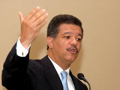 Presidente Fernández destaca labor de promotores de salud en la prevención del cólera