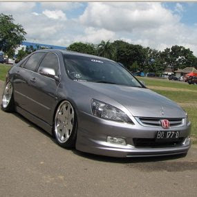 modif car  MODIFIKASI Honda Accord 2006