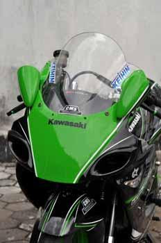 Home » KAWASAKI » MODIFIKASI KAWASAKI NINJA RR 150 2003 MODIFIKASI