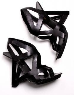 Architectural Cut Out Heel