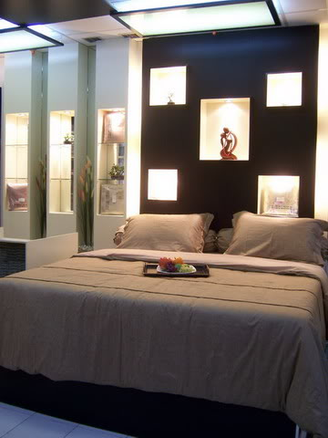 Luxury home interior design wallpapers small bedroom for Luxury small bedrooms