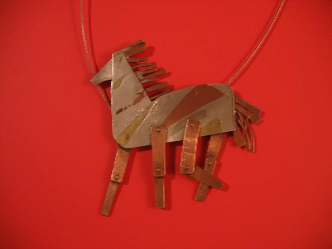 Caballo galopacorazones.Serie jugueto-joyas