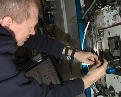 ISS021-E-010363 -- Commander Frank De Winne