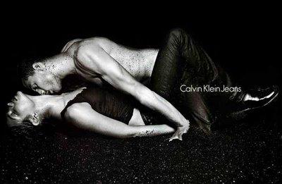Abajo: campaña Calvin Klein Jeans Fall Winter 2004