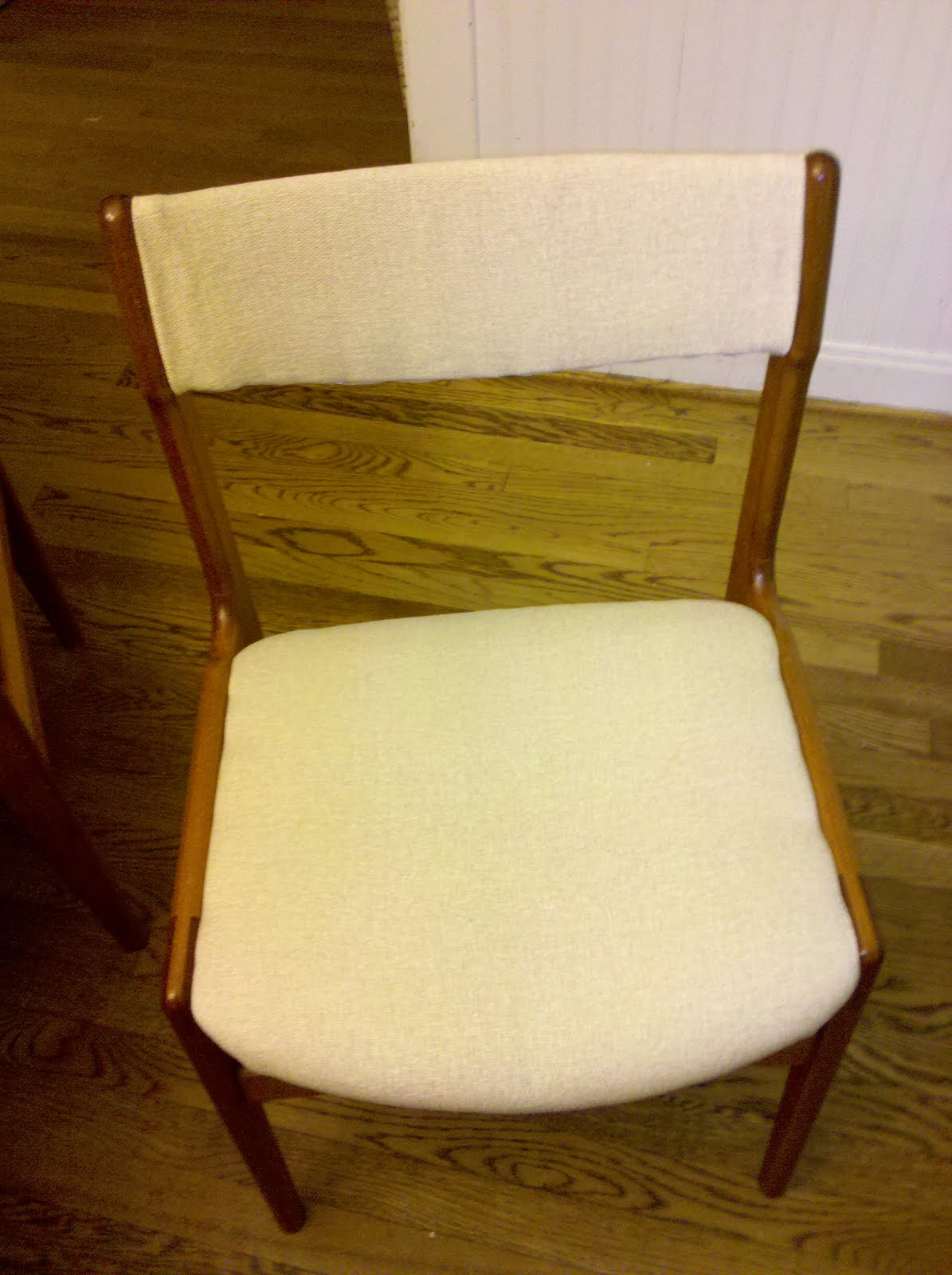 thrifty momma treasures recovering dining room chairs