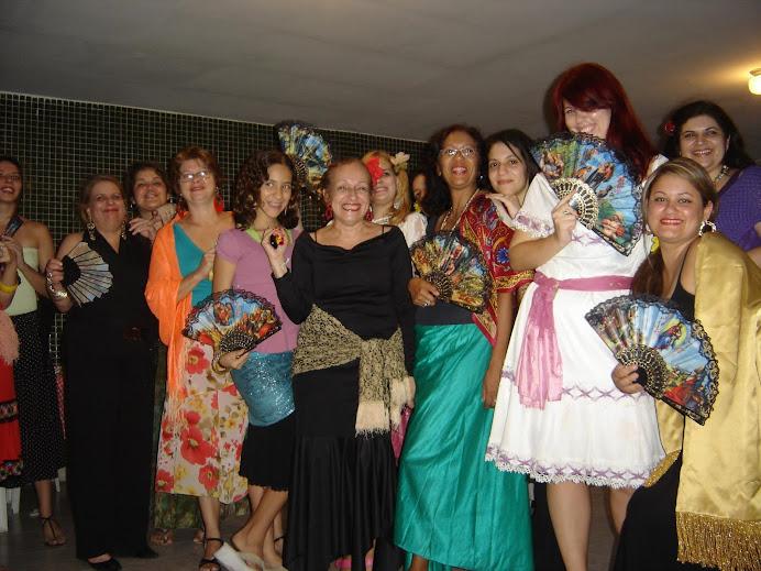 Eu e as meninas da minha família na festa do Léo