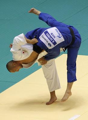 Keiji Suzuki, en una projecció durant el Mundial