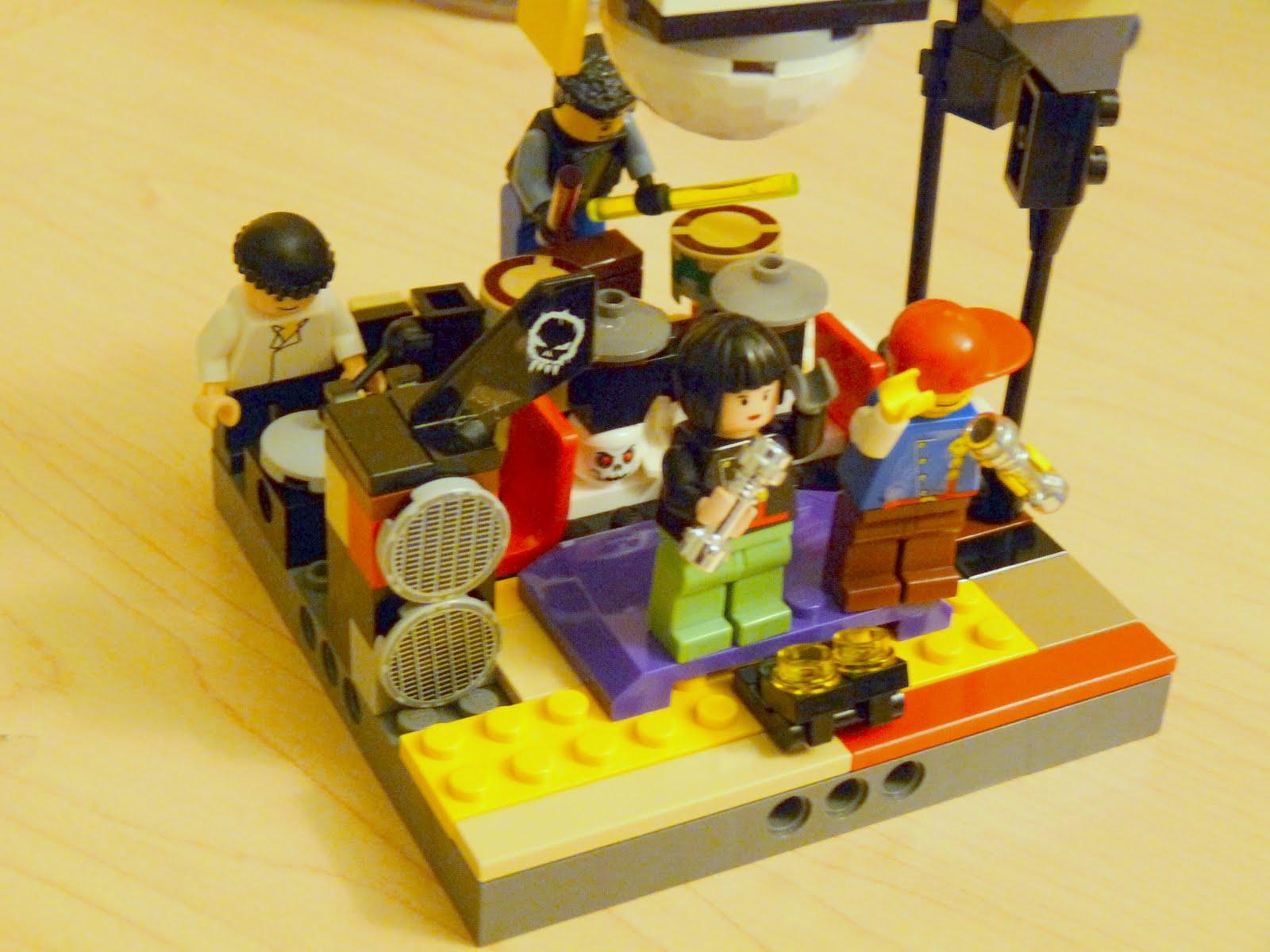 des moc. . . Legorockband