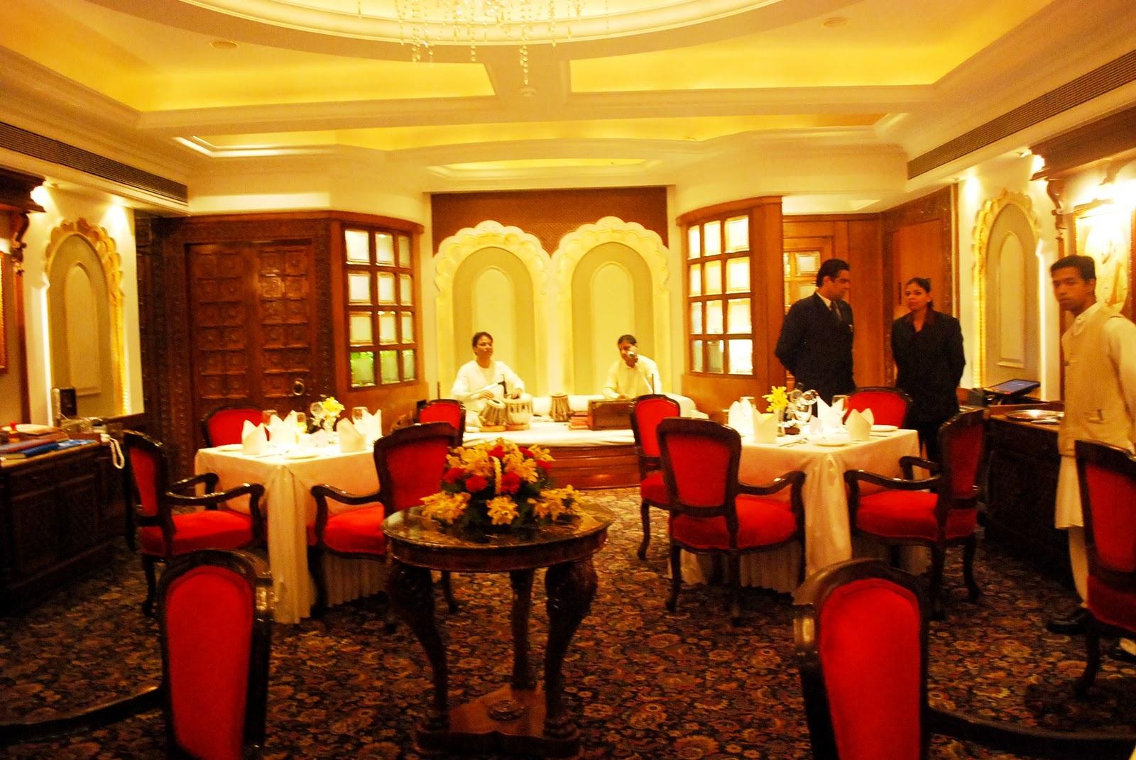 Hotels and restaurants shagun restaurant sea princess for Bistro hotel