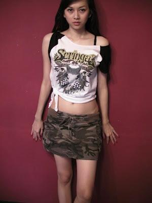 aura kasih foto telanjang indonesia