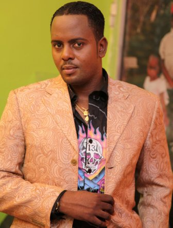 http://2.bp.blogspot.com/_dlJbQYAGdoA/TShpH3MSB_I/AAAAAAAARGM/l0E186sLGho/s1600/Steve+Kanumba.jpg