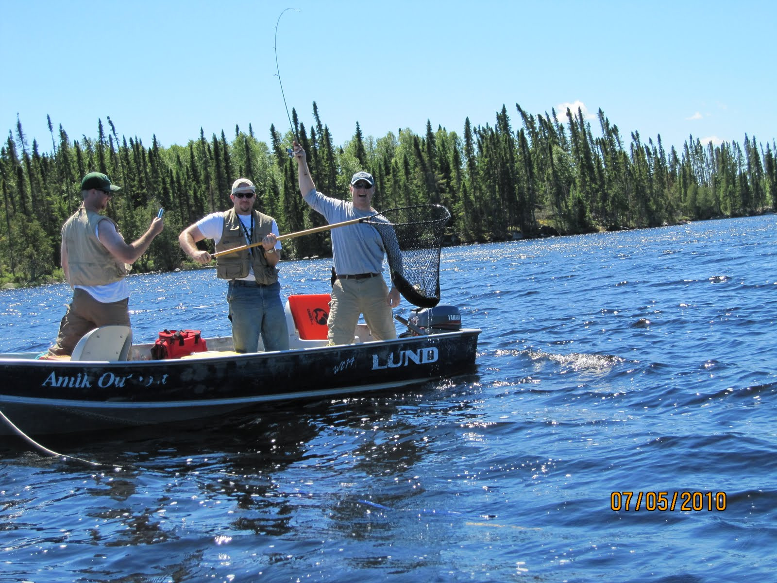 3008 fish 8 people 7 days canadian fly in fishing for Canadian fly in fishing