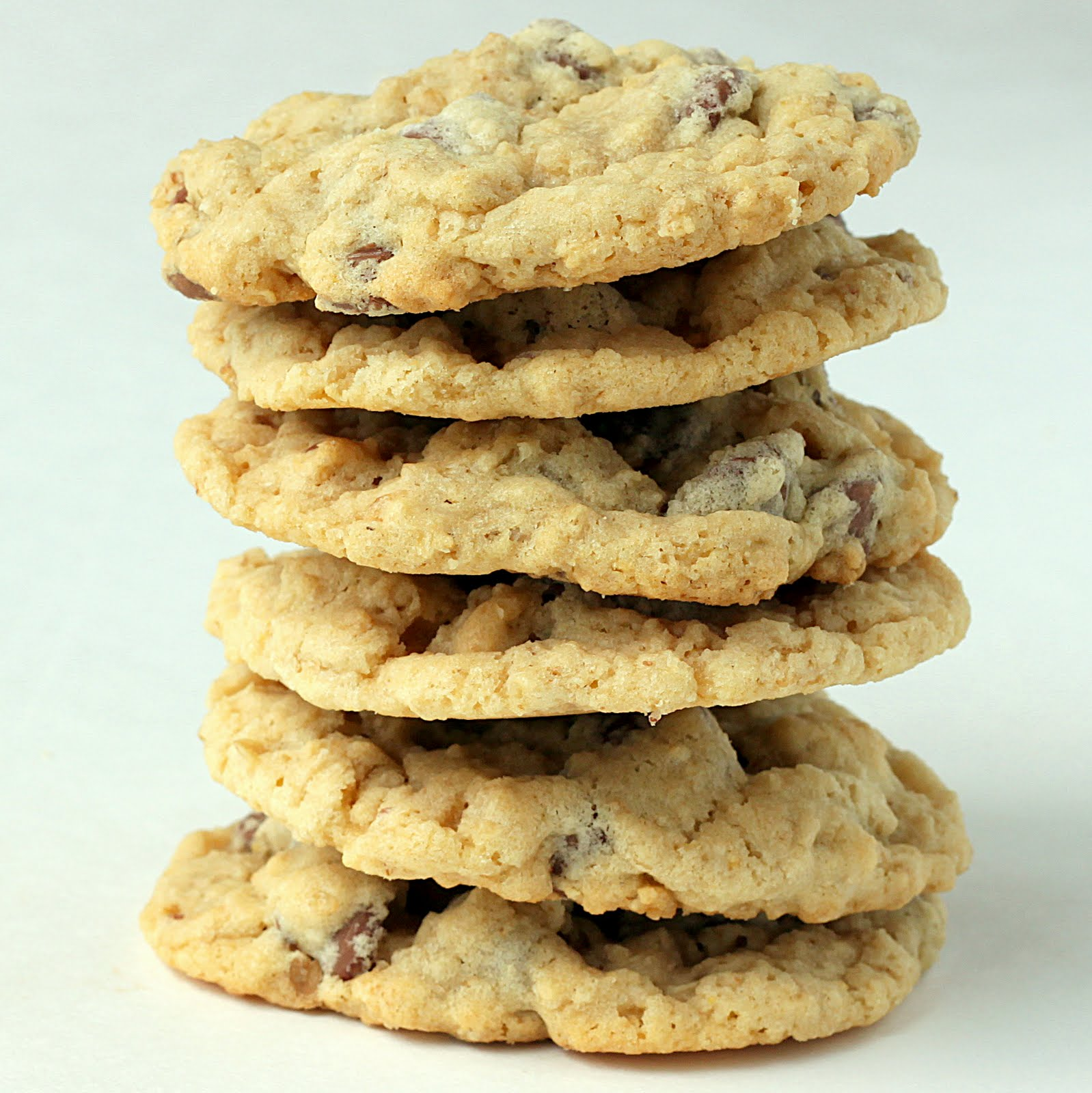 Sugar Cooking: Chewy Chocoalte Chip Oatmeal Cookies