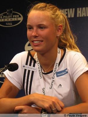 caroline wozniacki hot pictures. Caroline Wozniacki tennis