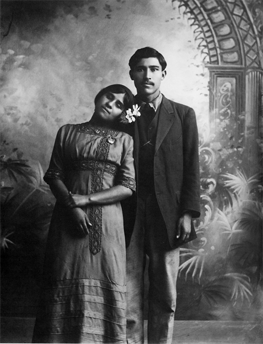 a biography of manuel alvarez bravo a mexican photographer Manuel Álvarez bravo was a self-taught mexican photographer, considered as one of the most important latin american artist of the 20th century.