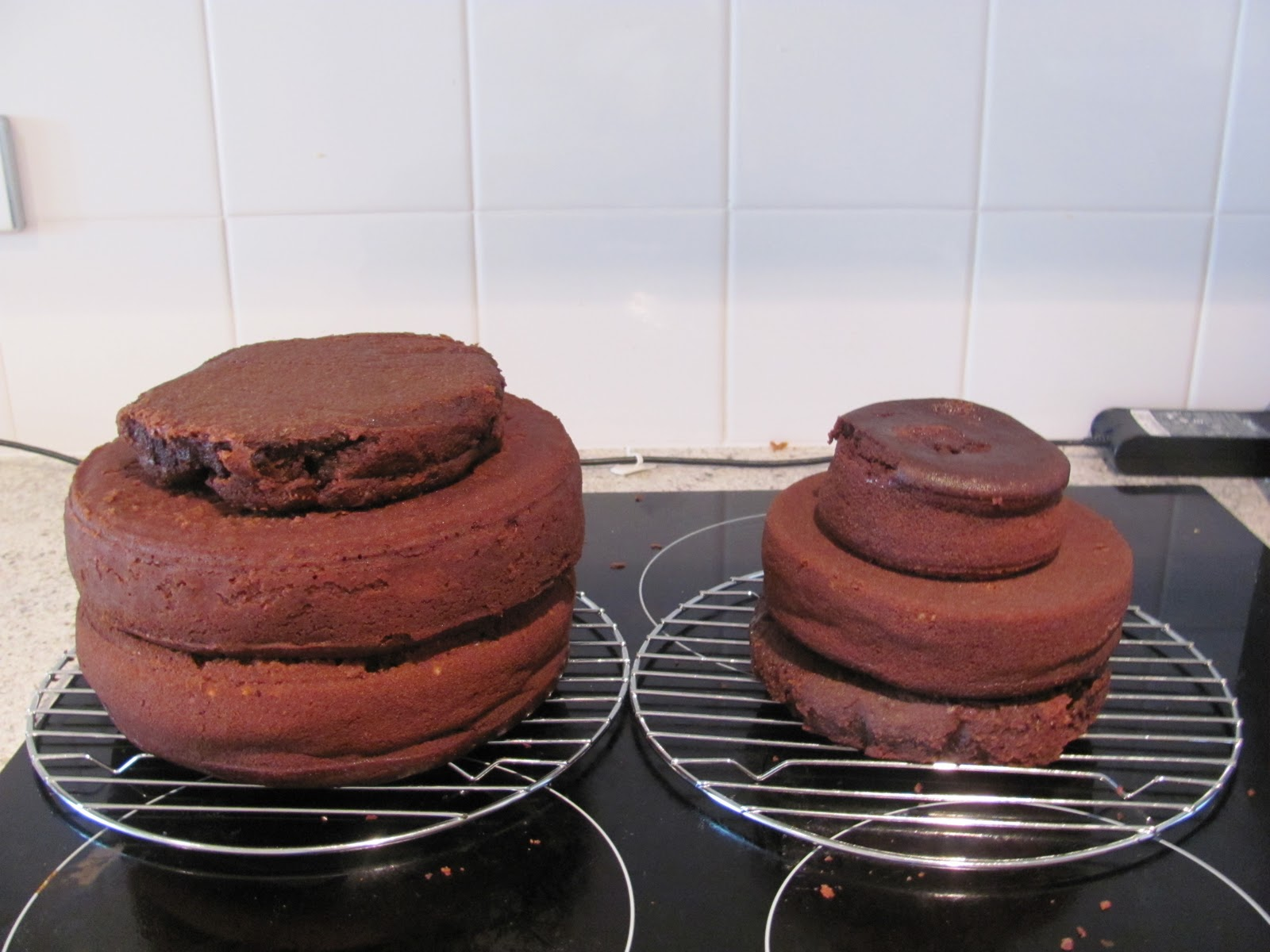 Making 2 tier cakes