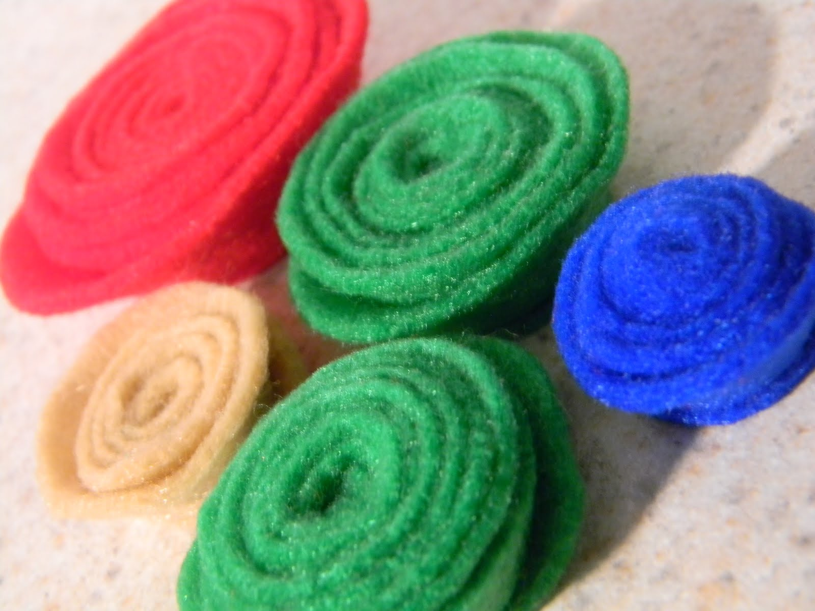 IT'S ALL GOOD a felt flower video tutorial