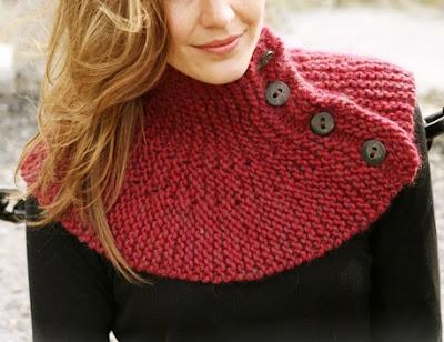 Mais uma gola ...em tricot...encarnada....